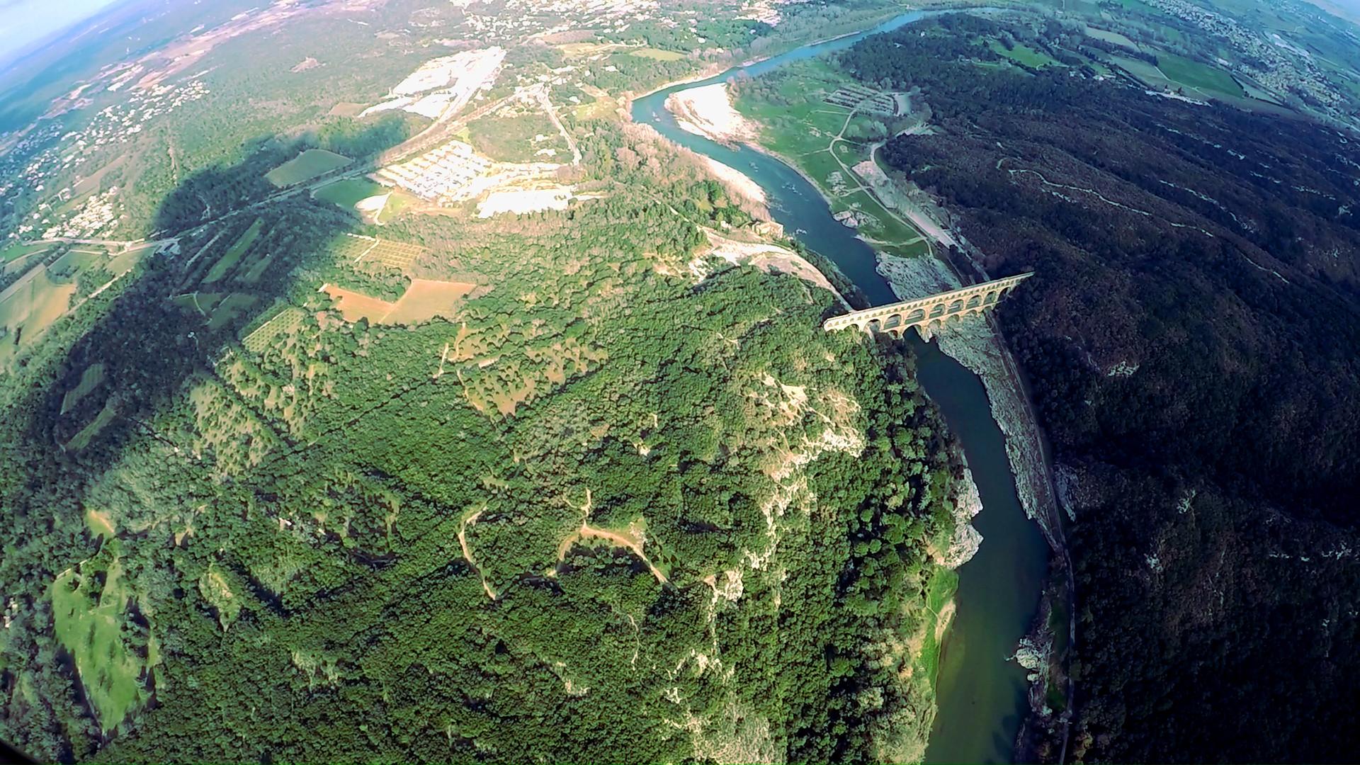 Vue aérienne du pont du Guard 7